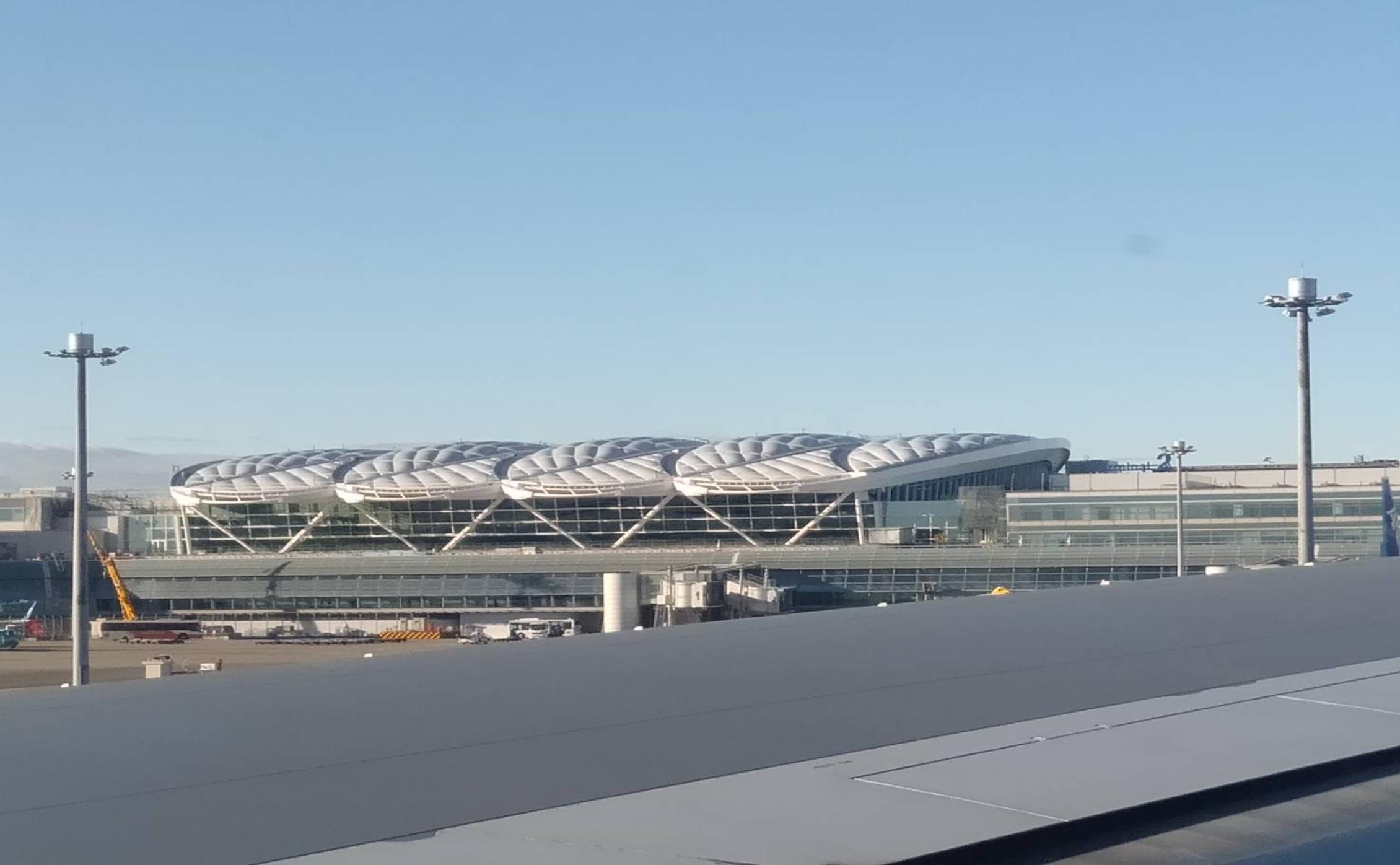 羽田空港第2ターミナルETFE膜工事