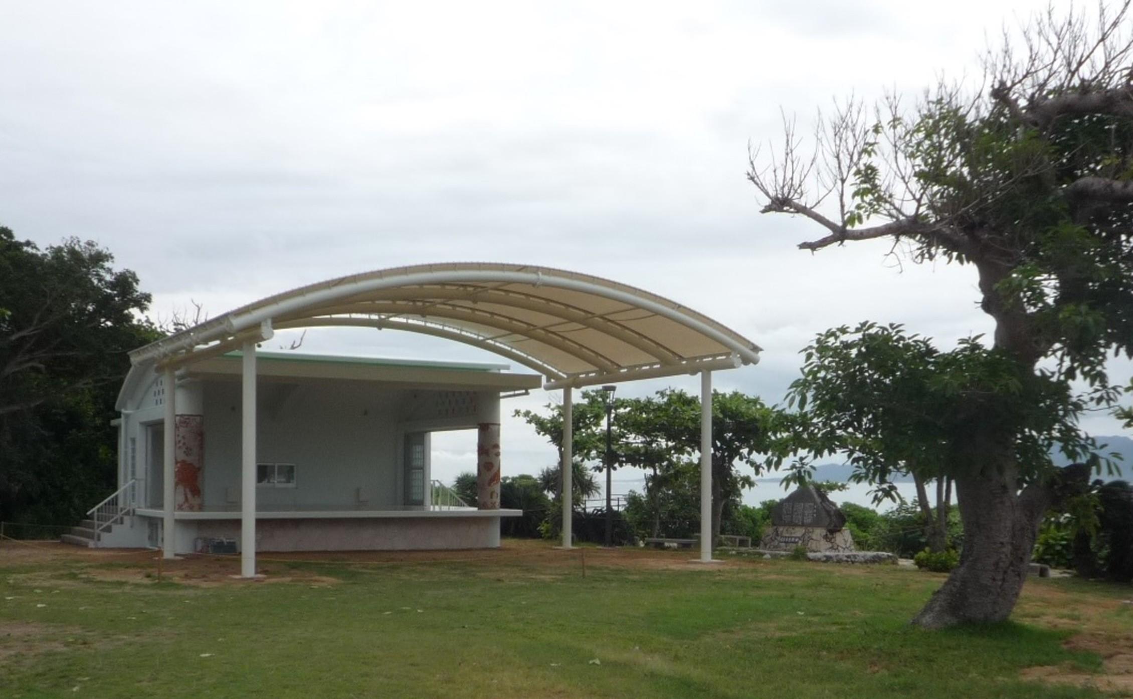 鳩間島野外ステージ